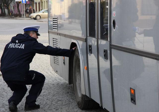 3568_policja_drogowka_kontrola_autokar_autobus