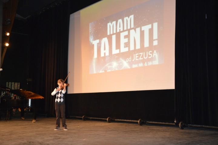 Zdjęcie z ubiegłorocznego koncertu konkursu Mam Talent od Jezusa MNIEJSZY ROZMIAR