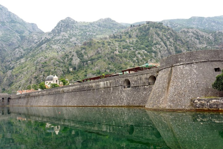Montenegro-02349_-_Walls_of_Kotor_(10596407203)