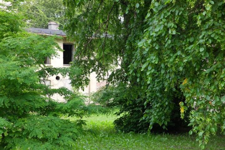 dom Piłsudski podwórze 1