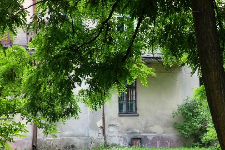 dom Piłsudski podwórze 3