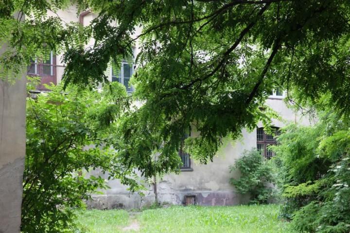 dom Piłsudski podwórze 4