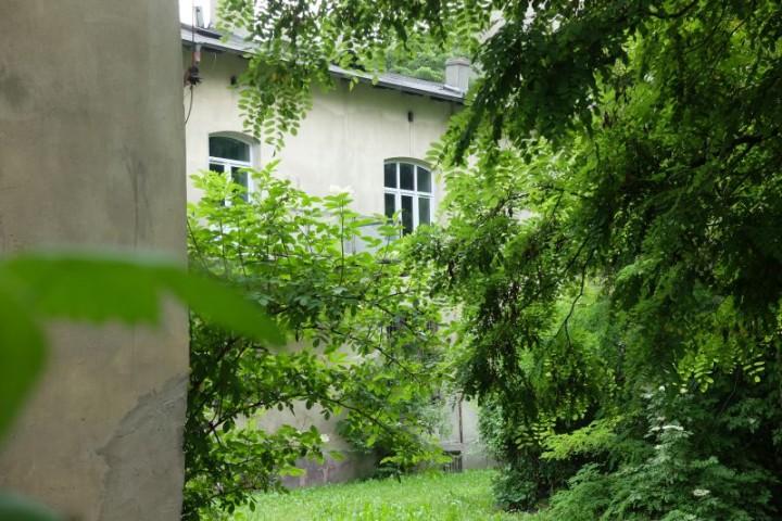 dom Piłsudski podwórze 6