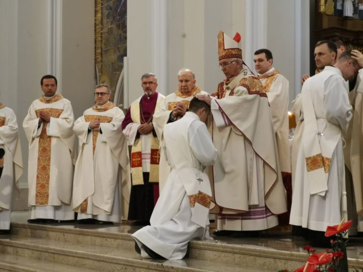 Życie w miłości i jedności w Duchu Świętym. Rozmowa z abp. Wacławem Depo