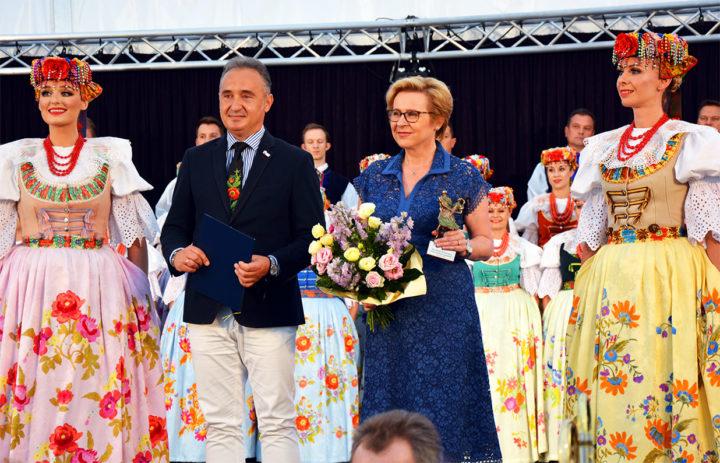 """""""Mecenas Silesiae"""" – prestiżowa nagroda dla  Europoseł Jadwigi Wiśniewskiej"""