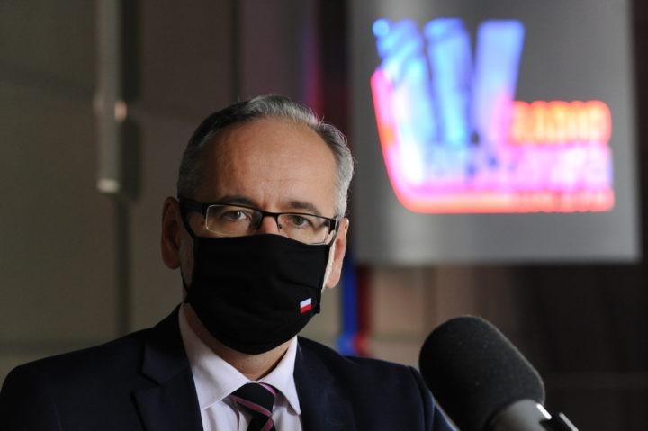 Każdy z nas może przyczynić się w walce z pandemią – rozmowa z ministrem zdrowia Adamem Niedzielskim