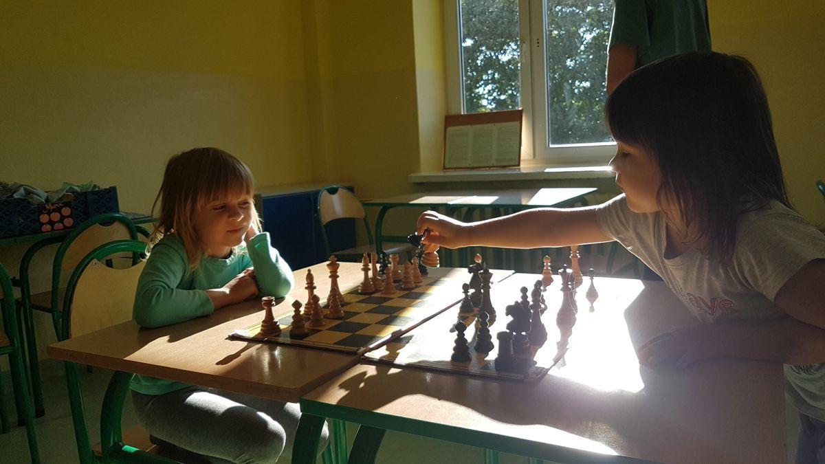 """Mistrzowie szachów z """"Hetmana"""""""