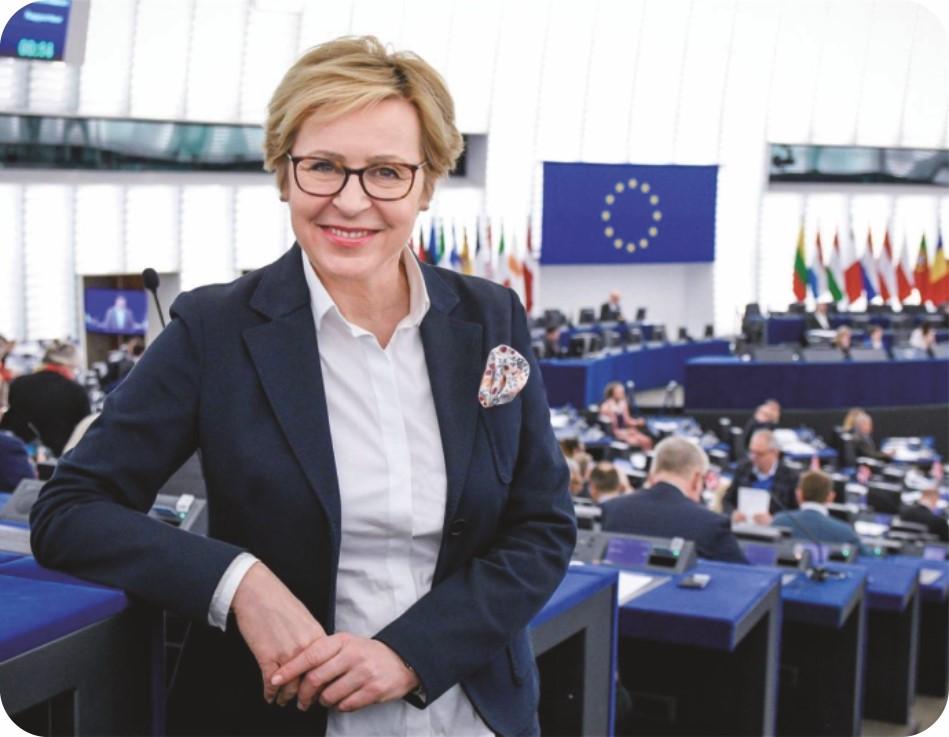 Jadwiga Wiśniewska: Niezbędny jest dialog na równych i sprawiedliwych zasadach