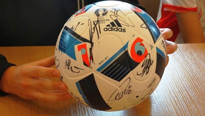 piłka dla papieża