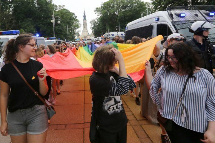 Sąd Rejonowy stronniczo za LGBT! W argumentacji wyroku nauka Kościoła i błędy proceduralne!
