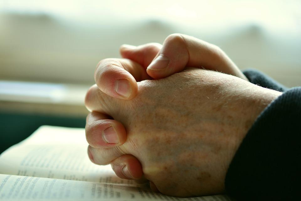 Módlmy się za kapłanów