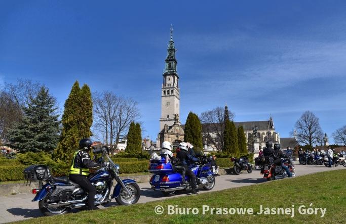 Zlot motocyklowy na Jasnej Górze. Motocykliści rozpoczęli sezon
