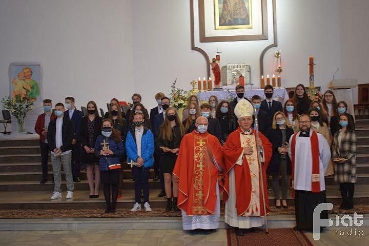 Dzień skupienia i bierzmowanie w parafii św. Stanisława Biskupa Męczennika