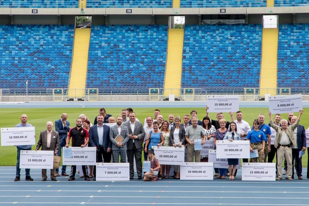 Urząd Marszałkowski wspiera częstochowskie kluby sportowe