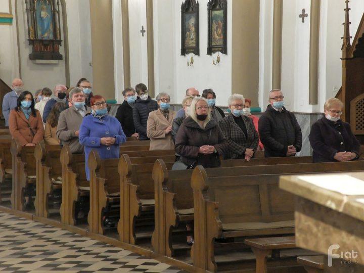 Oficjalne dane GUS-u: 32,5 mln Polaków to katolicy