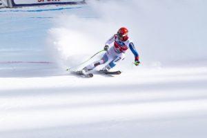 Na co zwrócić uwagę przy wyborze polisy narciarskiej? Co powinno zawierać dobrze ubezpieczenie?